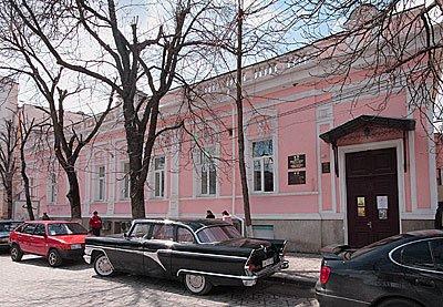 Проект USAID ЛИНК совместно с Музеем города Симферополя выпустил путеводитель по улице Пушкина.